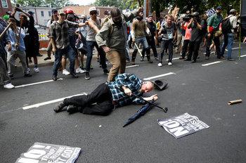 白人至上主義グループ衝突.jpg